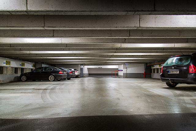 Inomhus utomhus parkering